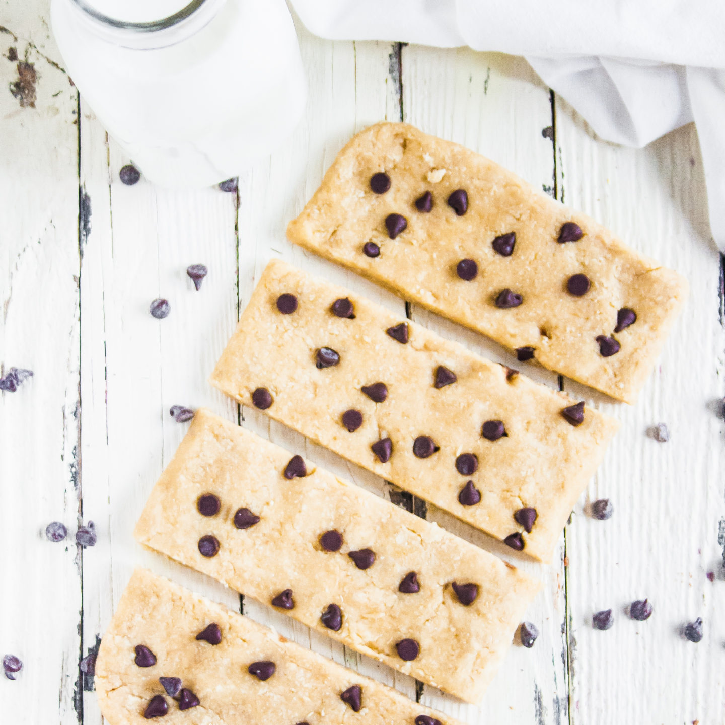 Chocolate Chip Cookie Protein Bars